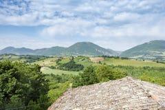 好的看法在卡梅里诺附近的意大利马尔什 免版税库存照片