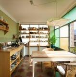 好的顶楼,厨房 免版税图库摄影
