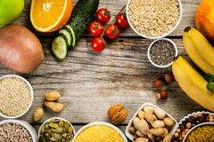 好碳水化合物来源的选择 饮食健康素食主义者 免版税图库摄影