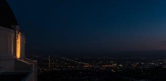 好莱坞在从格里菲斯观测所的晚上 免版税库存照片