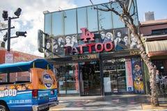 好莱坞大道的游人 免版税库存照片