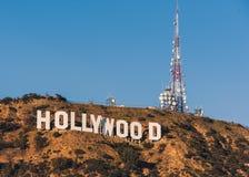 06/12/2015 - 好莱坞标志在一好日子 免版税图库摄影