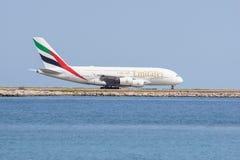 好,法国2017年8月16日:乘出租车酋长管辖区A380-861双层甲板船大型的客机A6-EDX  免版税库存照片