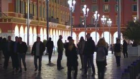 好,法国- 2018年11月4日-有人人群的马塞纳广场在街道上的 股票视频