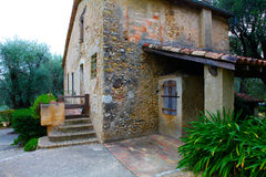好,法国- 2011年10月17日:在尼斯附近的雷诺阿博物馆,法国 Cagnes苏尔梅尔-村庄 雷诺阿居住durin的房子 库存图片