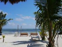 好晴朗的海滩天在Mahual在墨西哥加勒比海洋caribian的尤加坦 库存图片