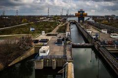 如在讷沃达里,在黑海附近的罗马尼亚中看到的水闸 库存图片