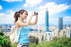 妇女作为照相机 免版税库存图片