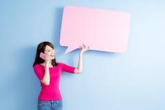 妇女作为讲话泡影广告牌 库存照片