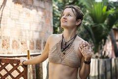 妇女佩带的钩针编织的胸罩 库存照片