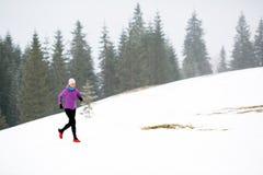 妇女健身启发和刺激,赛跑者 免版税库存图片