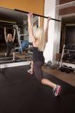 妇女健身桃红色短裤 免版税库存照片
