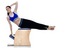 妇女健身被隔绝的pilates exercices 免版税库存图片