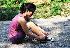 妇女关系鞋带 免版税库存图片