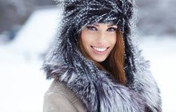 妇女冬天纵向。 浅dof。 免版税图库摄影