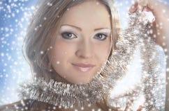 妇女冬天纵向。 免版税库存照片