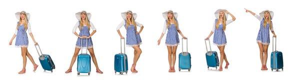 妇女准备好在白色隔绝的夏天旅行 免版税图库摄影