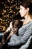 妇女和她的狗 库存图片