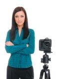 妇女和照片照相机 免版税库存照片