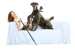 妇女和狗 免版税库存照片