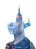 妇女和纽约地平线两次曝光画象  免版税库存图片