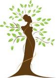 妇女和结构树 免版税库存照片