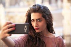 妇女和selfie 免版税库存照片