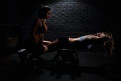 妇女在体操方面 图库摄影