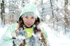 妇女在冬天 库存照片