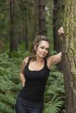 妇女在森林 库存照片