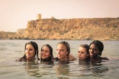 妇女在海运 库存照片