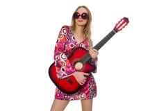 妇女在白色隔绝的吉他演奏员 免版税图库摄影