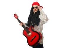 妇女在白色隔绝的吉他演奏员 免版税库存照片