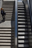妇女地铁步 免版税库存照片