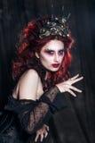 妇女妖怪 创造性的黑暗的构成,概念性想法为万圣夜 库存照片