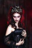 妇女妖怪 创造性的黑暗的构成,概念性想法为万圣夜 免版税库存照片