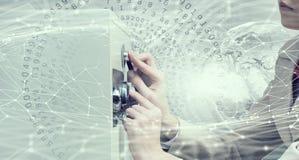 妇女开放保险柜 混合画法 库存照片