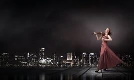 妇女戏剧小提琴 库存图片
