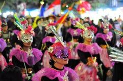 妇女打扮传统上,日惹市 免版税库存图片