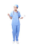 妇女护士微笑藏品剪贴板 库存图片