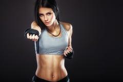 妇女拳击手画象 免版税库存照片