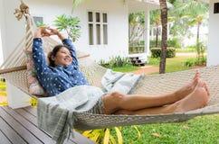 妇女放松时间 免版税库存照片