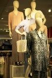 妇女时尚商店购物中心 免版税库存图片