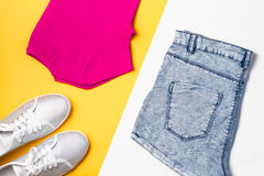 妇女时尚汇集 五颜六色的夏天女性衣裳,体育样式 免版税库存照片