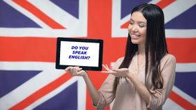 妇女有做的藏品片剂您讲英国词组,学会的语言应用程序 影视素材