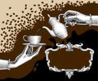 妇女有咖啡罐的` s手和杯子和减速火箭的框架 免版税库存图片