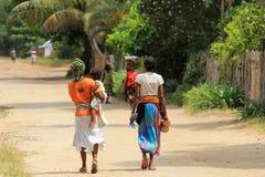 妇女本机在马达加斯加, 库存照片