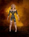 妇女机器人靠机械装置维持生命的人机器人机器 免版税库存照片