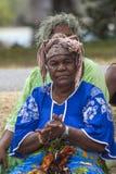 妇女歌手拍手 免版税库存图片