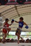 妇女泰国拳击赛 免版税库存图片